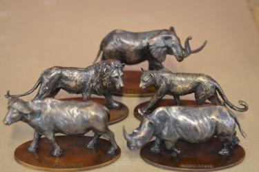 Big 5 - Small bronze collectibles